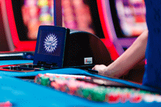 Photo of shuffle machine i-Deal, equipment for casino poker